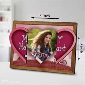 Magnetic hidden photo heart frame